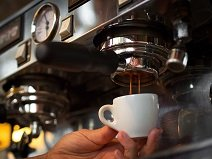 Cách lựa chọn máy pha cà phê cho quán phù hợp